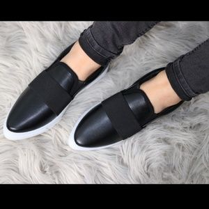 NWT Black Faux Leather Pointed Sneakers